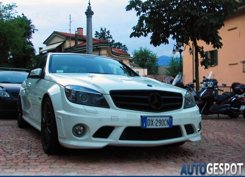 Mercedes-Benz C 63 AMG W204 1