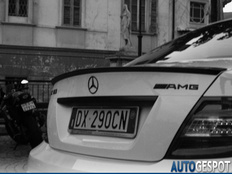 Mercedes-Benz C 63 AMG W204 3