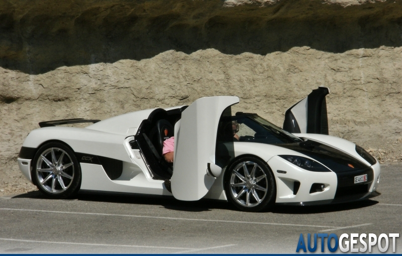 koenigsegg ccx 8 ao t 2011 autogespot. Black Bedroom Furniture Sets. Home Design Ideas