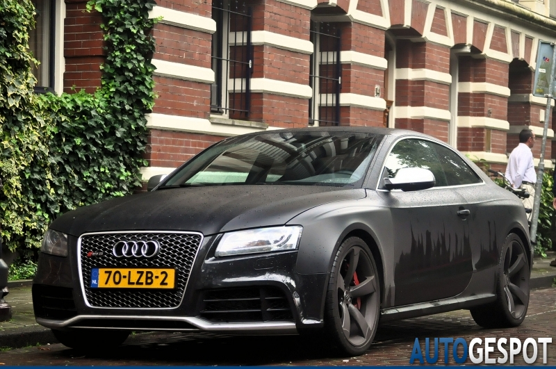 S5 car - Color: Gray  // Description: amazing
