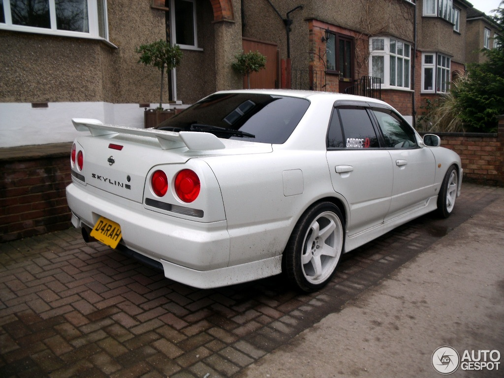 nissan skyline r34 sedan 26 october 2011 autogespot. Black Bedroom Furniture Sets. Home Design Ideas
