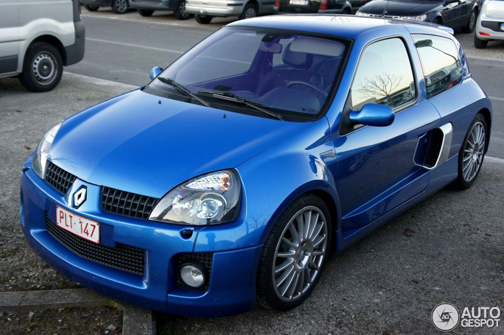 renault clio v6 phase ii 27 november 2011 autogespot. Black Bedroom Furniture Sets. Home Design Ideas