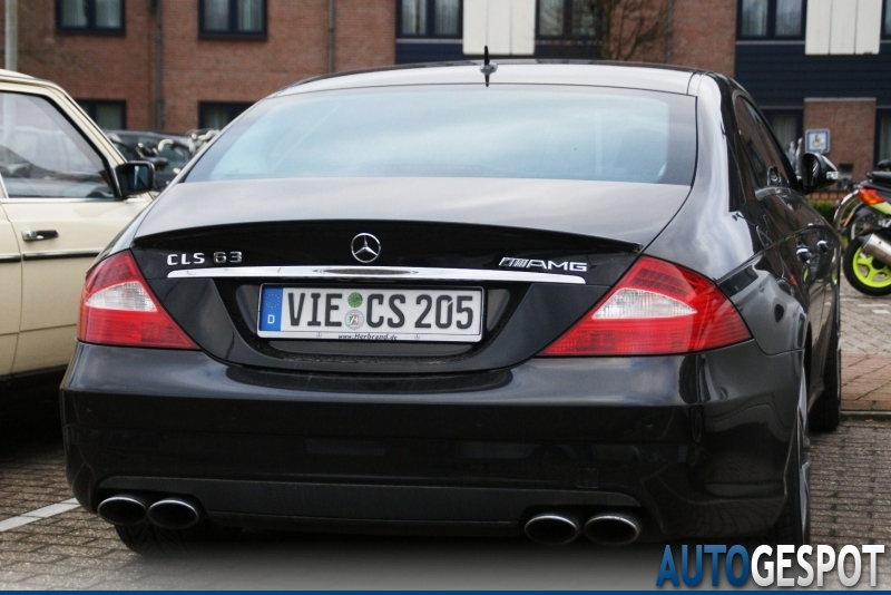 mercedes benz cls 63 amg c219 6 fevereiro 2011 autogespot. Black Bedroom Furniture Sets. Home Design Ideas