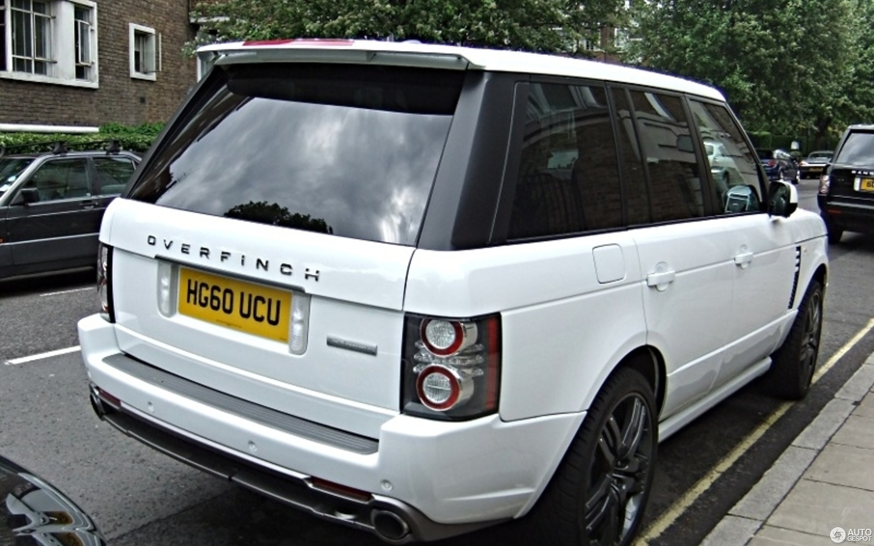 Range Rover Autobiography 2016 >> Land Rover Overfinch Range Rover Autobiography - 8 May ...