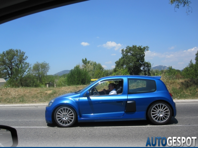 renault clio v6 phase ii 4 julio 2011 autogespot. Black Bedroom Furniture Sets. Home Design Ideas