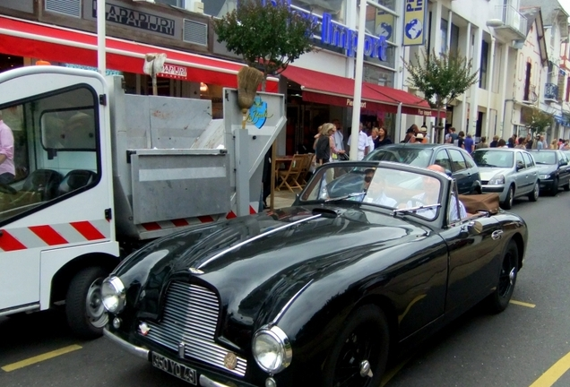Aston Martin DB2 Drophead Coupé